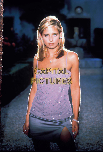 SARAH MICHELLE GELLAR.Buffy The Vampire Slayer.Year 2.Filmstill - Editorial Use Only.Ref: 8942.CAP/AWFF.Supplied by Capital Pictures