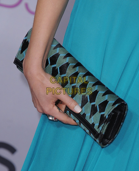 Rachael Leigh Cook's bag.The 2013 People's Choice Awards held at Nokia Live in Los Angeles, California 9th January 2013                                                                   .detail hand pattern print blue  .CAP/DVS.©DVS/Capital Pictures.