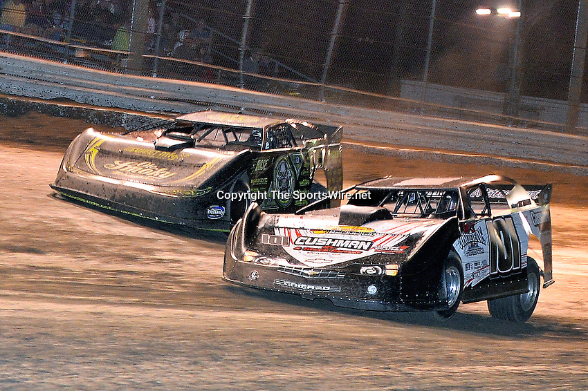 Feb 20, 2014; 9:32:56 PM;  Barberville, FL, USA;  World of Outlaws Late Model Series for 43rd Annual DIRTcar Nationals presented by Summit Racing Equipment at Volusia Speedway Park.  Mandatory Credit: (thesportswire.net)
