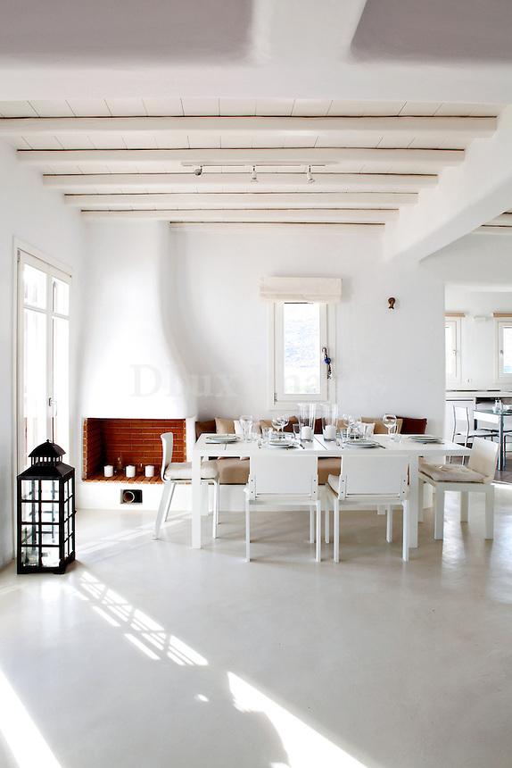 bright cycladic dining room