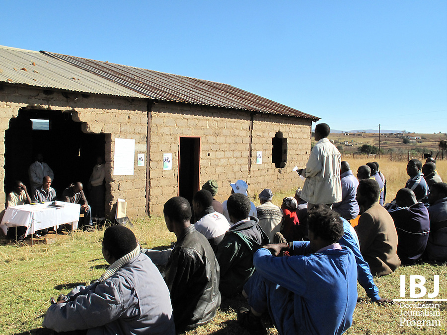 On June 28, 2009, the Swaziland JusticeMakers team held a workshop with community police in the rural village of Ngelane in the south of the country.