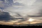 Europa, DEU, Deutschland, Nordrhein Westfalen, NRW, Rheinland, Niederrhein, Krefeld-Traar, Himmel, Abendhimmel, Wolken, Kategorien und Themen, Natur, Umwelt, Landschaft, Jahreszeiten, Stimmungen, Landschaftsfotografie, Landschaften, Landschaftsphoto, Landschaftsphotographie, Wetter, Himmel, Wolken, Wolkenkunde, Wetterbeobachtung, Wetterelemente, Wetterlage, Wetterkunde, Witterung, Witterungsbedingungen, Wettererscheinungen, Meteorologie, Bauernregeln, Wettervorhersage, Wolkenfotografie, Wetterphaenomene, Wolkenklassifikation, Wolkenbilder, Wolkenfoto....[Fuer die Nutzung gelten die jeweils gueltigen Allgemeinen Liefer-und Geschaeftsbedingungen. Nutzung nur gegen Verwendungsmeldung und Nachweis. Download der AGB unter http://www.image-box.com oder werden auf Anfrage zugesendet. Freigabe ist vorher erforderlich. Jede Nutzung des Fotos ist honorarpflichtig gemaess derzeit gueltiger MFM Liste - Kontakt, Uwe Schmid-Fotografie, Duisburg, Tel. (+49).2065.677997, ..archiv@image-box.com, www.image-box.com]
