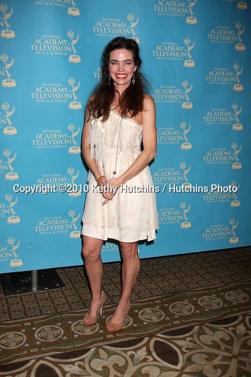 LOS ANGELES - JUN 25:  Amelia Heinle arrive(s) at the 2010 Creative Daytime Emmys  Bonaventure Hotel in.Los Angeles, CA on June 25, 2010...