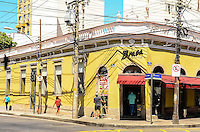 ATENCAO EDITOR: FOTO EMBARGADA PARA VEICULOS INTERNACIONAIS. - RIO DE JANEIRO, RJ, 05 DE SETEMBRO 2012 - FACHADA DO RESTAURANTE ASSALTADO NA TIJUCA - Fachada de restaurante assaltado na Tijuca no dia 13 de agosto muda o visual e tenta retormar as atividades apos denuncias que policiais policiais furtaram a mochila dos assaltantes na esquina das ruas Professor Gabizo e Mariz e Barros, na Tijuca, zona norte do Rio de Janeiro.(FOTO: MARCELO FONSECA / BRAZIL PHOTO PRESS).