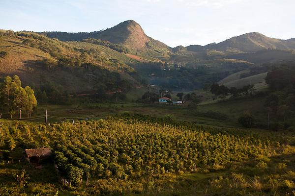Pedra Bonita_MG, Brasil...Vista panoramica de uma paisagem rural em Pedra Bonita, Minas Gerais...The panoramic view of rural landscape in Pedra Bonita, Minas Gerais...Foto: LEO DRUMOND / NITRO