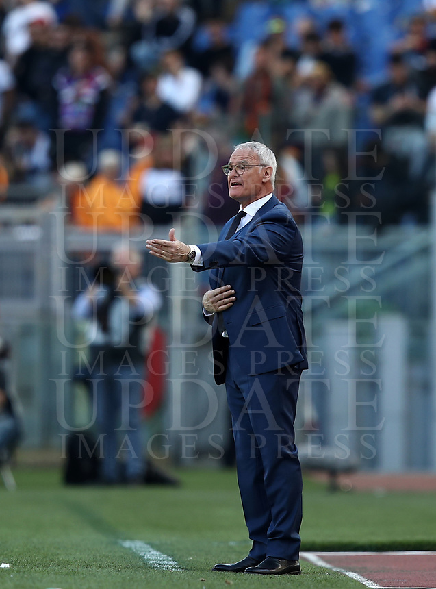 Football, Serie A: AS Roma - SSC Napoli, Olympic stadium, Rome, March 31, 2019. <br /> Roma's coach Claudio Ranieri speaks to his players during the Italian Serie A football match between Roma and Napoli at Olympic stadium in Rome, on March 31, 2019.<br /> UPDATE IMAGES PRESS/Isabella Bonotto