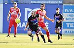 2018-08-11 / Voetbal / Seizoen 2018-2019 / Beker van Belgi&euml; / R. Cappellen FC - Bilzerse Waltwilder / Ismael El Ghoulbzouri met Robbe Kil (Cappellen) in de rug<br /> <br /> ,Foto: Mpics