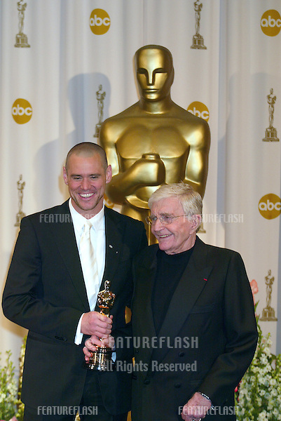 JIM CARREY (left) & BLAKE EDWARDS at the 76th Annual Academy Awards in Hollywood..February 29, 2004