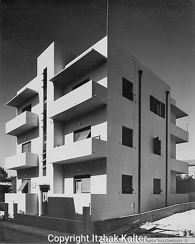 Apartment building in Bauhaus architecture.The Elbaum building, haTikva Street 8, Tel Aviv, photographer Itzhak Kalter