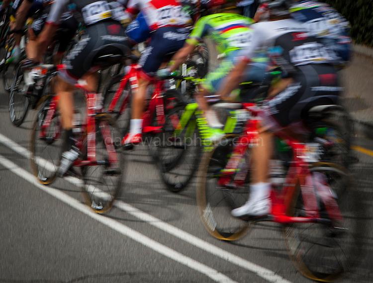 The peloton climbs Montjuic, Barcelona, on the last stage of the Volta Catalunya 2016 cycling race. The leader, Nairo Quintana, successfully defending his jersey from Alberto Contador and Dan Martin.<br /> <br /> El pelot&oacute;n sube Montjuic, Barcelona, en la &uacute;ltima etapa de la carrera ciclista Volta Catalunya 2016. El l&iacute;der, Nairo Quintana, defendiendo con &eacute;xito su maillot de Alberto Contador y Dan Martin.<br /> <br /> El gran grup puja Montju&iuml;c, Barcelona, en l'&uacute;ltima etapa de la cursa ciclista Volta Catalunya 2016. El l&iacute;der, Nairo Quintana, defensant amb &egrave;xit el seu mallot d'Alberto Contador i Dan Martin.