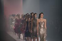 SAO PAULO, SP, 21 DE MARÇO DE 2013. SPFW - PRIMAVERA VERAO 2013 SAMUEL CIRNANSCK. A marca Samuel Cirnansk apresenta sua coleção verão  2014 no quarto dia de desfiles da Sao Paulo Fashion Week - verão 2014 no Pavilhão da Bienal. FOTO ADRIANA SPACA/BRAZIL PHOTO PRESS