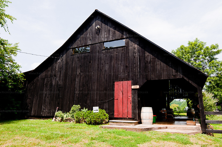 The winery and tasting room at Sharp Rock Vineyards are located in an attractive refurbished barn, just off the parking lot at the back of the B&B's property.