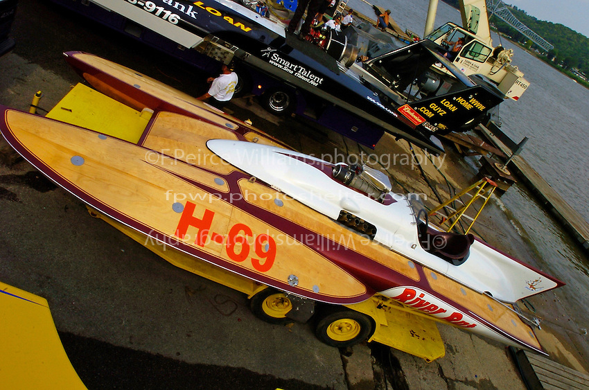 "Bill Cousins, H-69 ""River Rat"", Cousins 7 Litre Div I class hydroplane..2004 Madison Regatta, Madison, Indiana, July 4, 2004..F. Peirce Williams .photography.P.O.Box 455 Eaton, OH 45320.p: 317.358.7326  e: fpwp@mac.com."