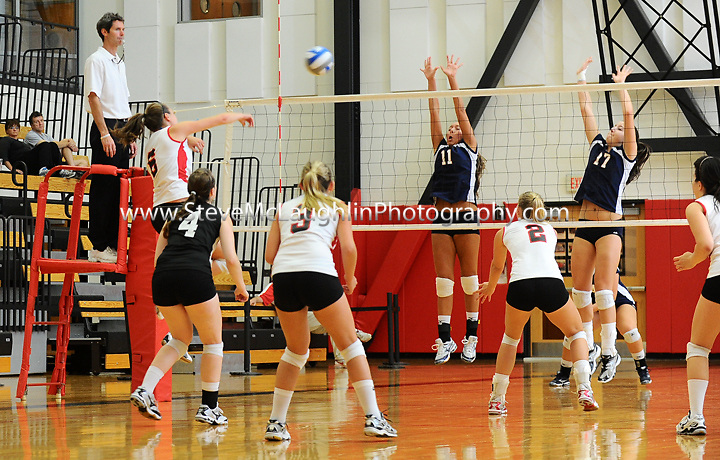 Wes volleyball vs. Western CT