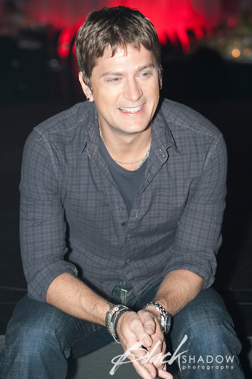 Rob Thomas media call at the Million Dollar Lunch to raise money for KOALA Foundation (Kids Oncology and Leukemia Foundation) at Crown Casino, Melbourne, 31 July 2009