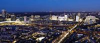 Nederland - Den Haag-  2018.   Den Haag bij avond. Rechts achter ligt het Beatrixkwartier.  Foto Berlinda van Dam / Hollandse Hoogte