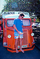 Ross Clarke Jones (AUS) eating lunch during a trip to Reunion Island in 1989. Photo: joliphotos.com.