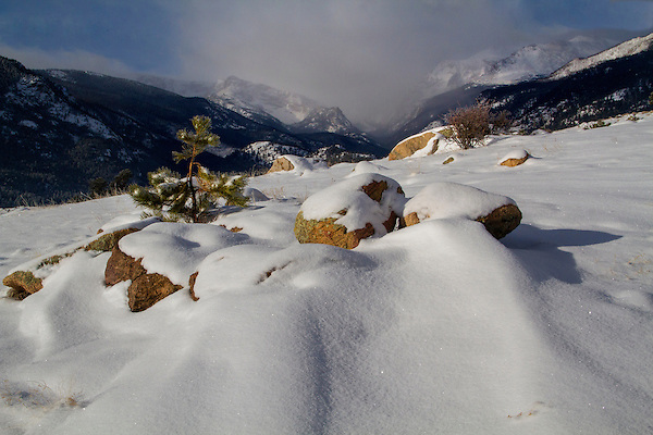 Moraine Park and Spruce Canyon in winter, Rocky Mountain National Park. <br />