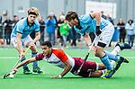ALMERE - Hockey - Hoofdklasse competitie heren. ALMERE-HGC (0-1) . Daniel de Haan (Almere) met  Weigert Schut (HGC)  . links Thijmen Piket (HGC)    COPYRIGHT KOEN SUYK