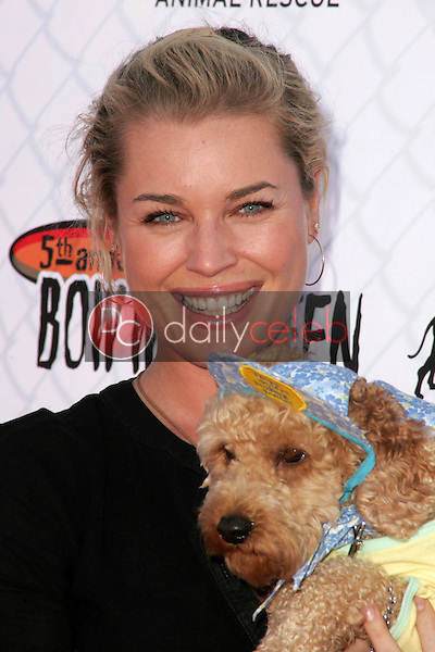 Rebecca Romijn<br />at The 5th Annual BowWowWeen Benefit Presented by Dog.com. Barrington Dog Park, Los Angeles, CA. 10-29-06<br />Dave Edwards/DailyCeleb.com 818-249-4998
