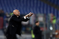 Calcio, Serie A: Roma vs Milan. Roma, stadio Olimpico, 12 dicembre 2016.<br /> Roma&rsquo;s coach Luciano Spalletti gestures to his playersduring the Italian Serie A football match between Roma and AC Milan at Rome's Olympic stadium, 12 December 2016.<br /> UPDATE IMAGES PRESS/Isabella Bonotto