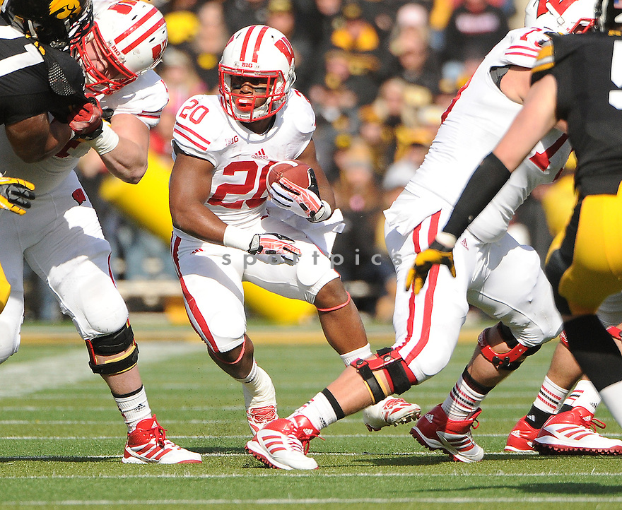 Wisconsin Badgers Melvin Gordon (25) during a game against the Iowa Hawkeyes on November 2, 2013 at Kinnick Stadium in Iowa City, IA. Wisconsin beat Iowa 28-9.
