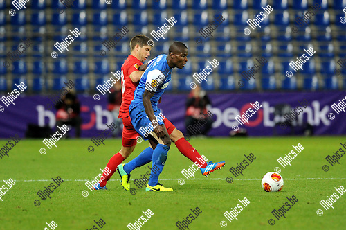 2013-10-03 / Voetbal / seizoen 2013-2014 / UEFA EUROPA LEAGUE / KRC Genk - FC Thun / Benjamin L&uuml;thi with Tshimanga<br /><br />Foto: Mpics.be