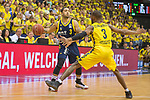 """09.06.2019, EWE Arena, Oldenburg, GER, easy Credit-BBL, Playoffs, HF Spiel 3, EWE Baskets Oldenburg vs ALBA Berlin, im Bild<br /> Peyton SIVA (ALBA Berlin #3 ) William""""Will"""" CUMMINGS (EWE Baskets Oldenburg #3 )<br /> <br /> Foto © nordphoto / Rojahn"""