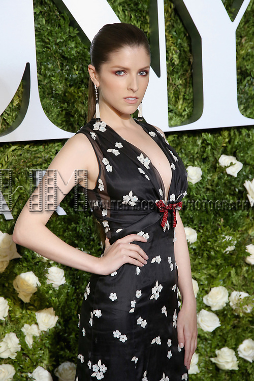 NEW YORK, NY - JUNE 11:  Anna Kendrick attends the 71st Annual Tony Awards at Radio City Music Hall on June 11, 2017 in New York City.  (Photo by Walter McBride/WireImage)