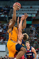 Herbalife Gran Canaria's player Royce O'Neale and FC Barcelona Lassa player Brad Oleson during the final of Supercopa of Liga Endesa Madrid. September 24, Spain. 2016. (ALTERPHOTOS/BorjaB.Hojas) NORTEPHOTO.COM
