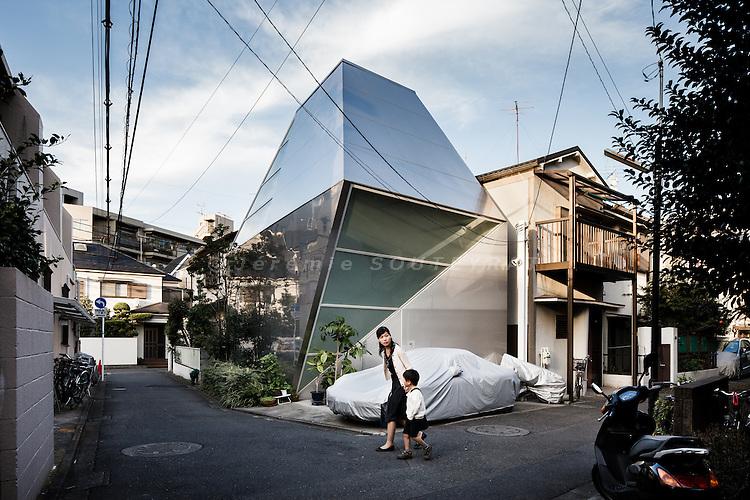 Tokyo, November 1st 2011 -Delta by Architecton.