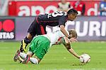 03.10.2010,  BayArena, Leverkusen, GER, 1. FBL, Bayer Leverkusen vs Werder Bremen, 7. Spieltag, im Bild: Arturo Vidal (Leverkusen #23) / Aaron Hunt (Bremen #14)  Foto © nph / Mueller