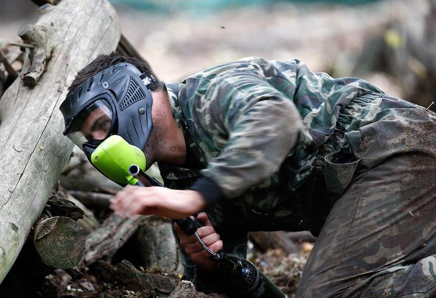 Photo:Richard Lane/Richard Lane Photography. London Wasps team visit Maidenhead Paintball. 20/09/2011. Rob Webber.