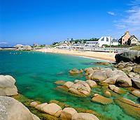 France, Brittany, Département Côtes-d'Armor, Trégastel: resort at Côte de Granit Rose | Frankreich, Bretagne, Département Côtes-d'Armor, Trégastel: Atlantikkueste an der sogenannten Côte de Granit Rose