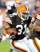 Landover, MD - October 19, 2008 -- Cleveland Browns running back Jamal Lewis (31) carries the ball in fourth quarter action against the Washington Redskins at FedEx Field in Landover, Maryland on Sunday, October 19, 2008.  The Redskins won the game 14 - 11..Credit: Ron Sachs / CNP