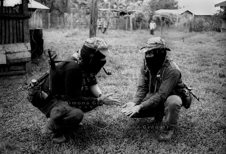Messico, Chiapas, 2007<br /> La Realidad<br /> Il Sub Comandante Marcos e il comandante Tacho.<br /> Esercito Zapatista di Liberazione Nazionale.<br /> Sub commander Marcos