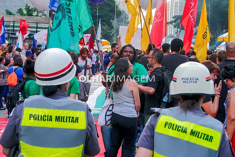 Manifestação de apoio a Greve Geral, Avenida Paulista, Sao Paulo. 14.06.2019 © Juca Martins