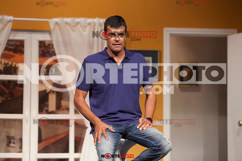 Actor Andoni Ferreno poses for `El Clan de las Divorciadas´ theater play presentation in Madrid, Spain. August 19, 2015. (ALTERPHOTOS/Victor Blanco)
