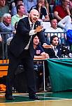 S&ouml;dert&auml;lje 2014-04-22 Basket SM-Semifinal 7 S&ouml;dert&auml;lje Kings - Uppsala Basket :  <br /> tr&auml;nare headcoach coach Vedran Bosnic reagerar<br /> (Foto: Kenta J&ouml;nsson) Nyckelord:  S&ouml;dert&auml;lje Kings SBBK Uppsala Basket SM Semifinal Semi T&auml;ljehallen portr&auml;tt portrait