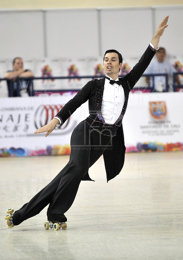 CALI - COLOMBIA - 19 - 09 - 2015: Guillaume Wagner, deportista de Francia, durante la prueba de Solo Danza Obligatorias Mayores Varones, en el LX Campeonato Mundial de Patinaje Artistico, en el Velodromo Alcides Nieto Patiño de la ciudad de Cali. / Guillaume Wagner, sportman of France, during the Compulsory Solo Dance Senior Men test, in the LX World Championships  Figure Skating, at the Alcides Nieto Patiño Velodrome in Cali City. Photo: VizzorImage / Luis Ramirez / Staff.