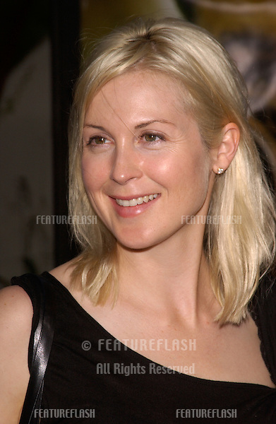 Actress KELLY RUTHERFORD at the world premiere, in Hollywood, of The Bourne Supremacy..July 15, 2004