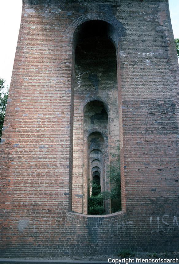 London: Railway Viaduct.