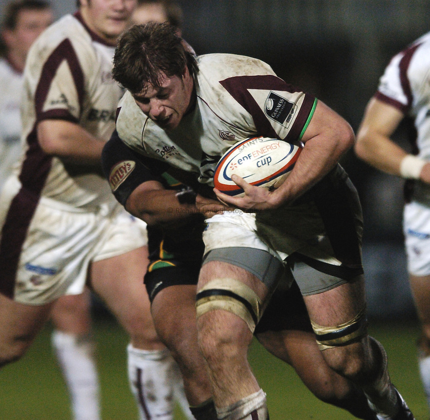 Photo: Jonathan Butler..Northampton Saints v Leicester Tigers. EDF Energy Anglo Welsh Cup. 02/12/2006..Brett Deacon of Leicester charges forward.