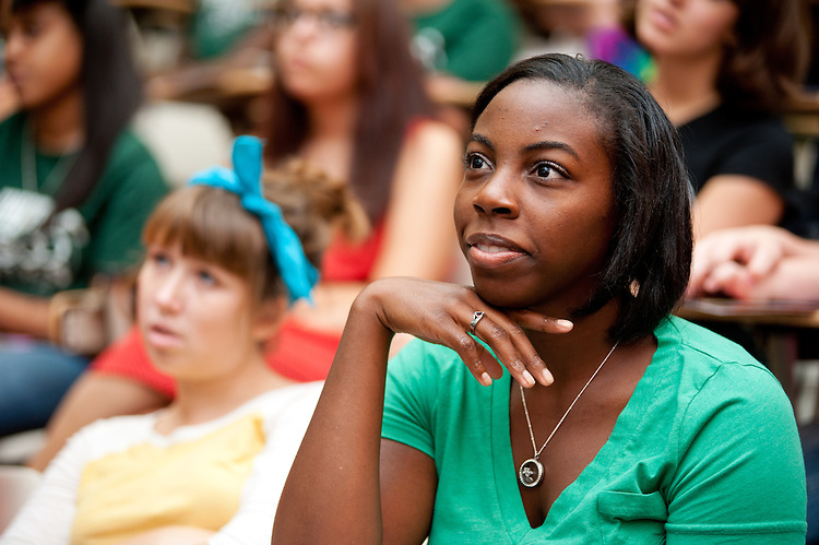 First year LINK students get to know each other during the LINKS orientation on August 23, 2012 in Athens, Ohio.  Photo by Elizabeth Held