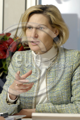 Brussels-Belgium - 06 February 2006---MEP Dr. Angelika NIEBLER (EPP-ED/DE, CSU) from Ebersberg/Germany, member of the Group of the European People's Party (Christian Democrats) and European Democrats in the European Parliament, Chairwoman of the Committee on Industry, Research and Energy---Photo: Horst Wagner/eup-images
