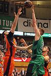 League ACB-ENDESA 2017/2018. Game: 30.<br /> Divina Seguros Joventut vs Valencia Baket Club: 77-75.<br /> Bojan Dubljevic vs Tomasz Gielo.