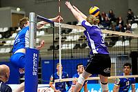 GRONINGEN - Volleybal, Lycurgus - VoCASA, Eredivisie, seizoen 2018-2019, 26-01-2019, /6 slaat de bal langs het blok van VoCASA speler Max van der Weerden