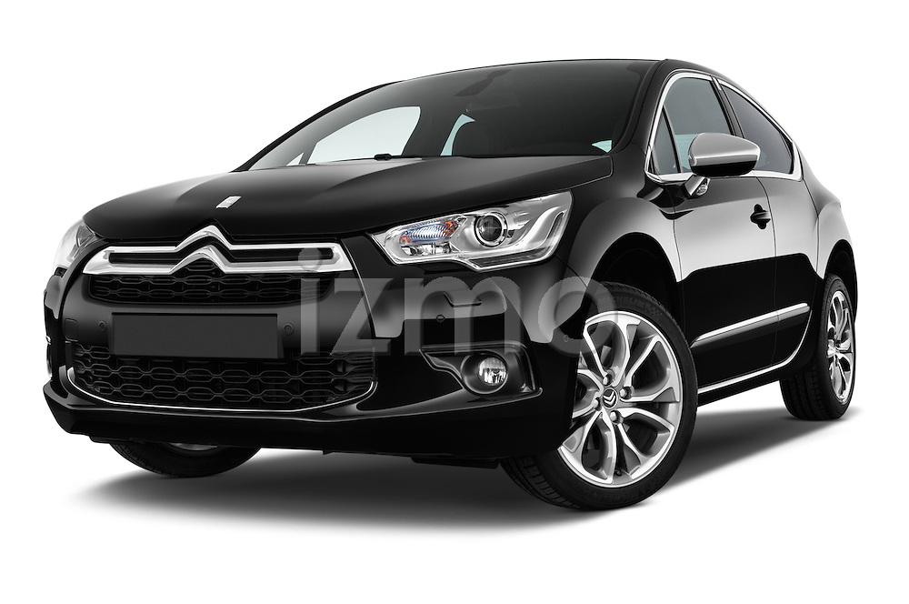 Low aggressive front three quarter view of a 2013 Citroen DS4 Sport Chic 5 Door Hatchback 2WD
