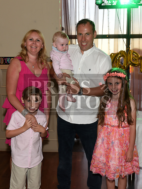 paul Scanlon celebrating his 40th birthday with his wife Eleanor, daughter caitlin, sons Senan and Oisín in The Thatch. Photo:Colin Bell/pressphotos.ie