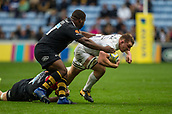 1st October 2017, Ricoh Arena, Coventry, England; Aviva Premiership rugby, Wasps versus Bath Rugby;  Baths Sam Underhill goes into contact with Simon McIntyre (Wasps)
